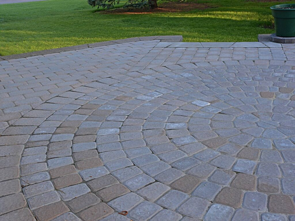 a very large patio with pavers